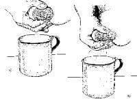 как правильно сцеживать молоко руками видео