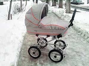 Российская коляска Little Trek