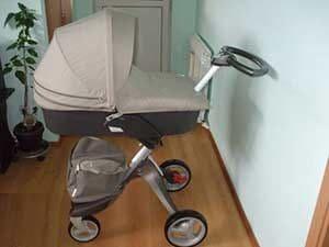 Итальняская коляска Stokke