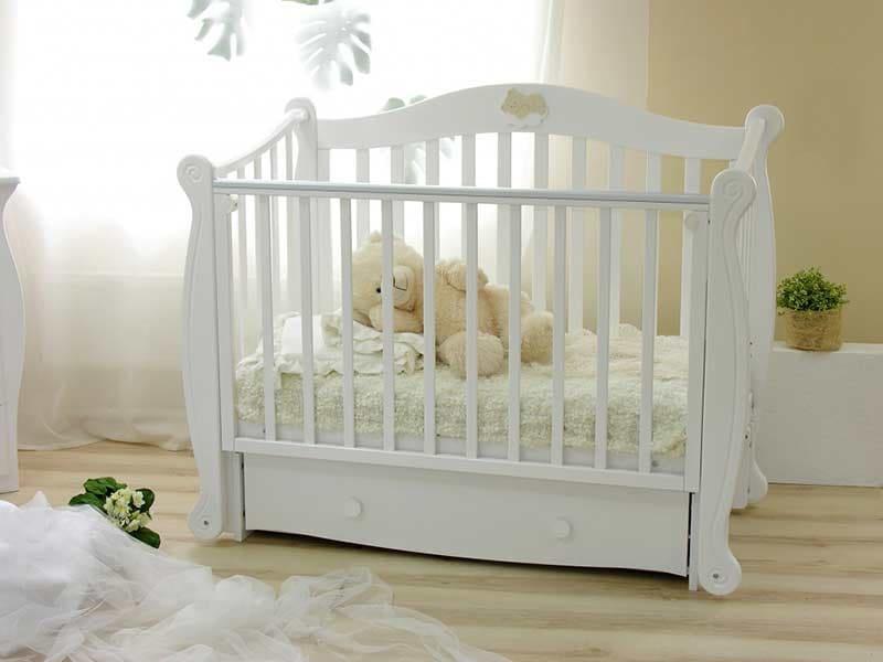 Как выбрать кровать для новорождённого ребёнка