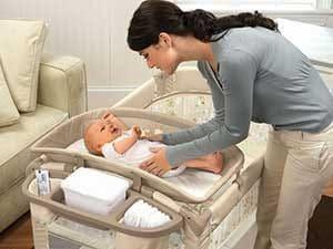 Как правильно положить малыша на поврехность