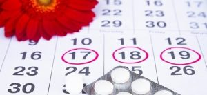 Месячные при беременности на ранних сроках: признаки, симптомы, причины