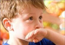 Рвота у детей: что дать ребенку при рвоте, рвота и температура с поносом или без