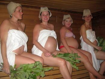 Почему беременным нельзя мыться в горячей бане