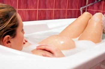 Можно ли беременным принимать ванну?