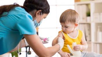 Прививки от кори, краснухи, паротита взрослым и детям: сколько раз делается, реакция на нее, последствия после прививки