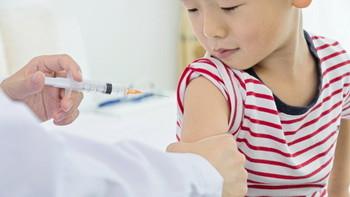 Прививки от полиомиелита взрослым и детям: сколько раз делается, реакция на нее, последствия после прививки